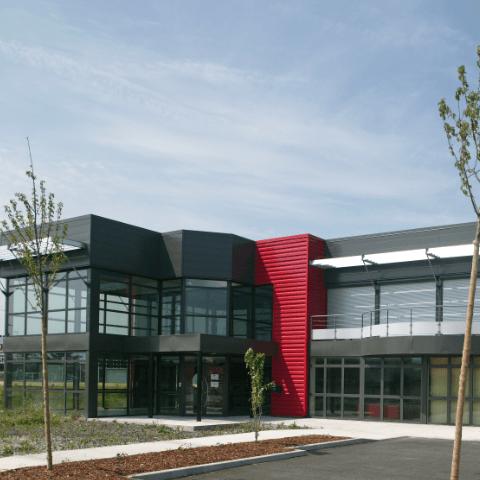 Bâtiment atelier et bureaux à Cournon d'Auvergne
